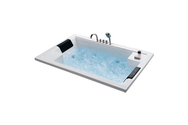 Bồn tắm massage Daros HT-79